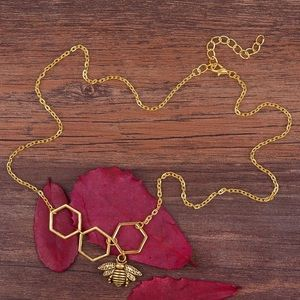 🛍NEW⚡️ BEE necklace